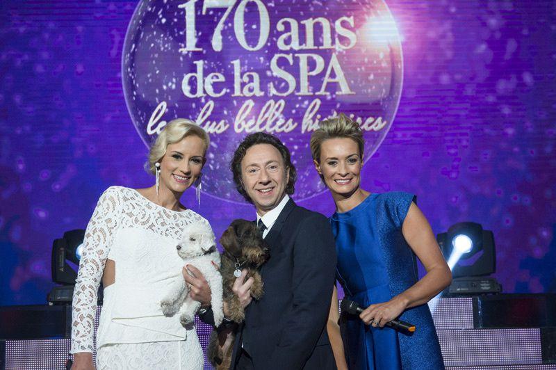 Elodie Gossuin, Stéphane Bern et Natacha Harry (Crédit photo : Nathalie Guyon / FTV)