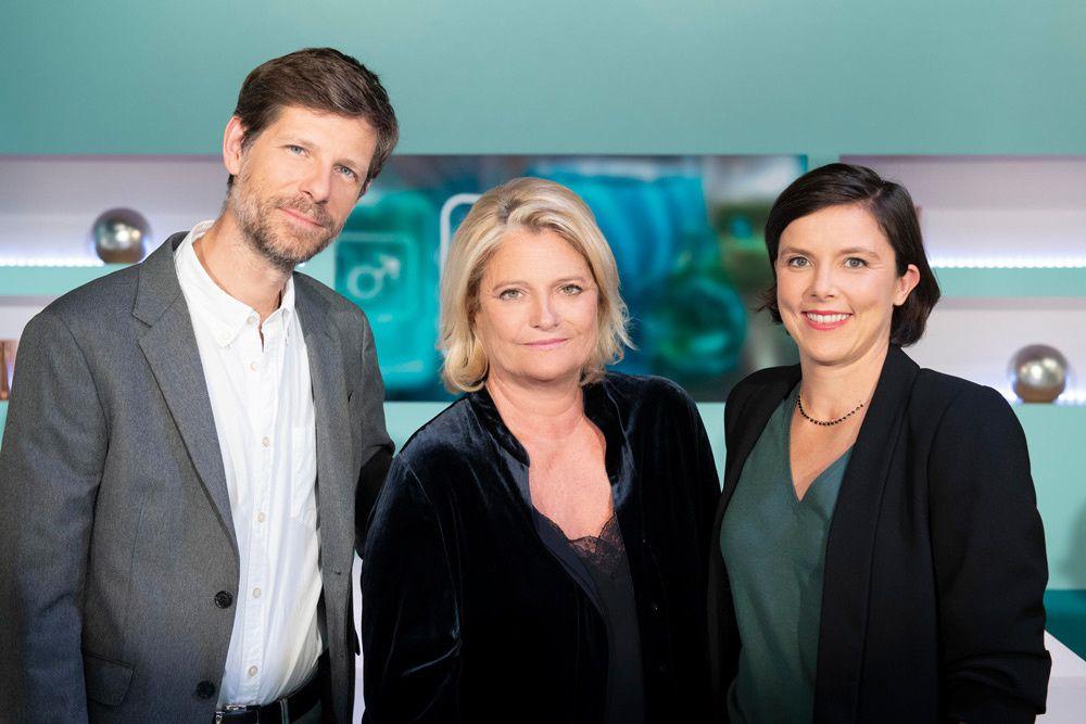 Philippe Charlier, Marina Carrère d'Encausse et Emma Strack (Crédit photo : Nathalie Guyon / FTV)