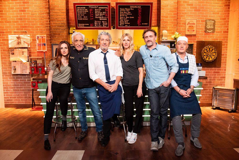 """Gérard Darmon, Alison Wheeler, Jean-Pierre Rouve et Sandrine Kiberlain inaugurent la nouvelle saison de """"Burger Quiz"""" ce soir sur TMC"""