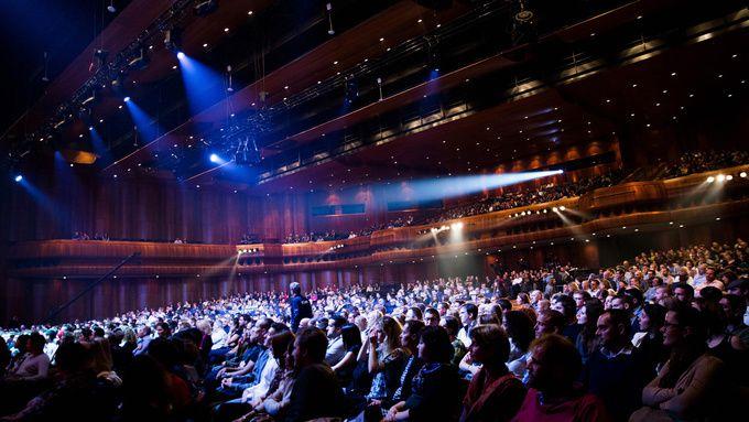Le Montreux Comedy Festival fête ses 30 ans avec le gala de papel ce soir sur France 4