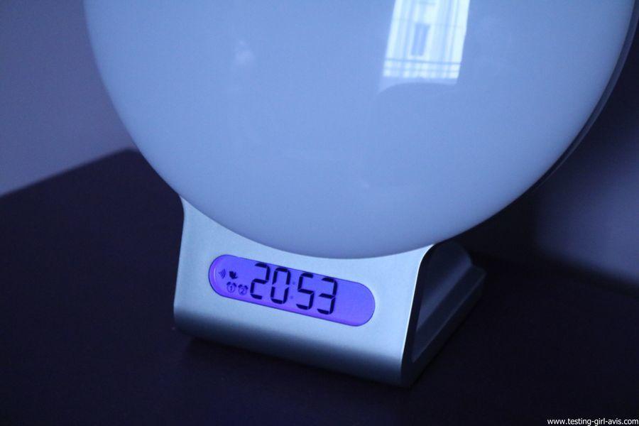 Beurer reveil lumineux WL75 simulateur aube connecte bluetooth avis test affichage heure