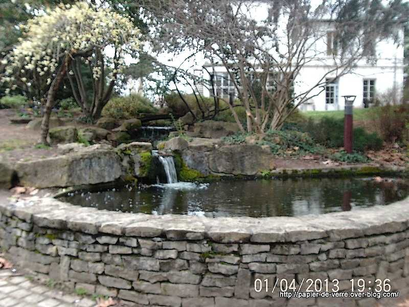 Petite cascade et son bassin