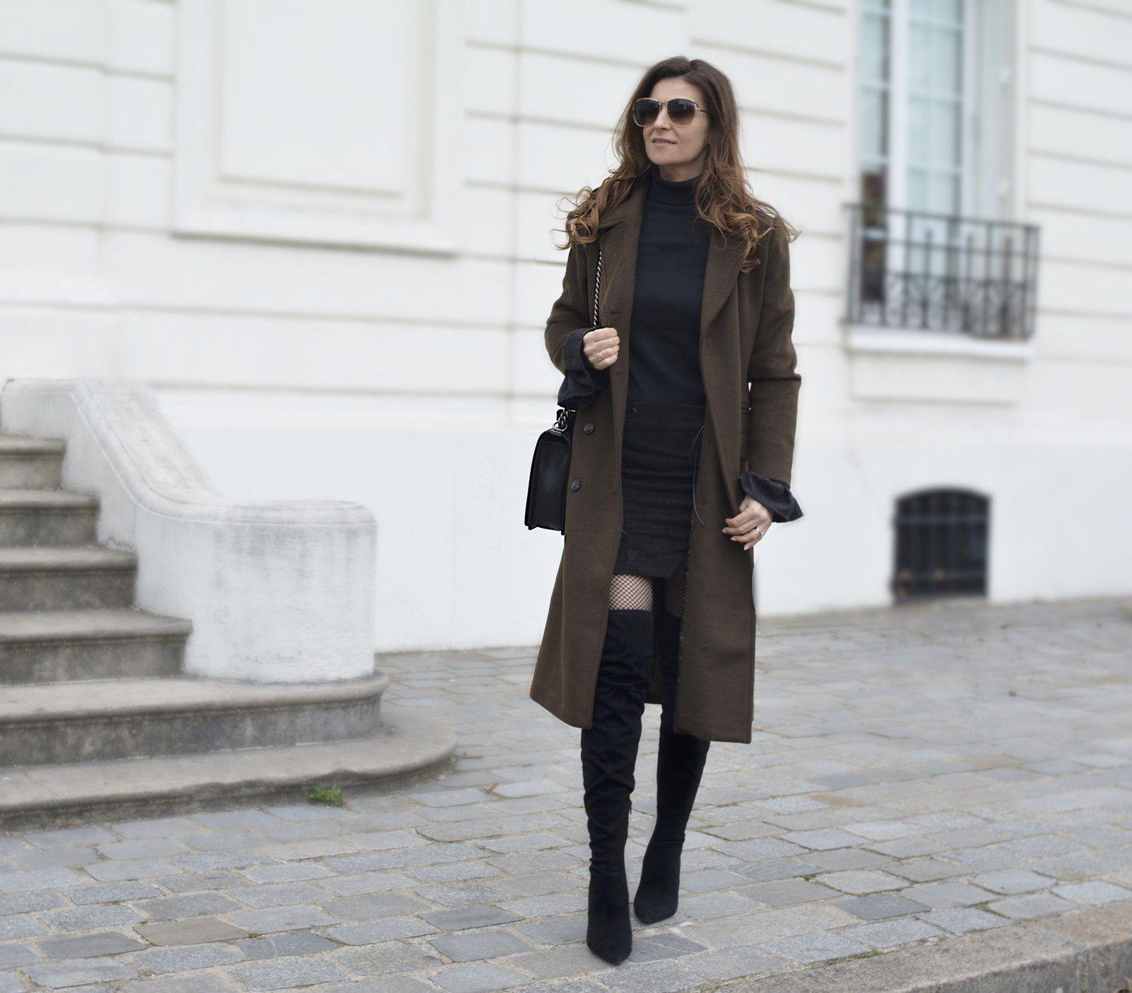 Manteau kaki et jupe à lacets 💚