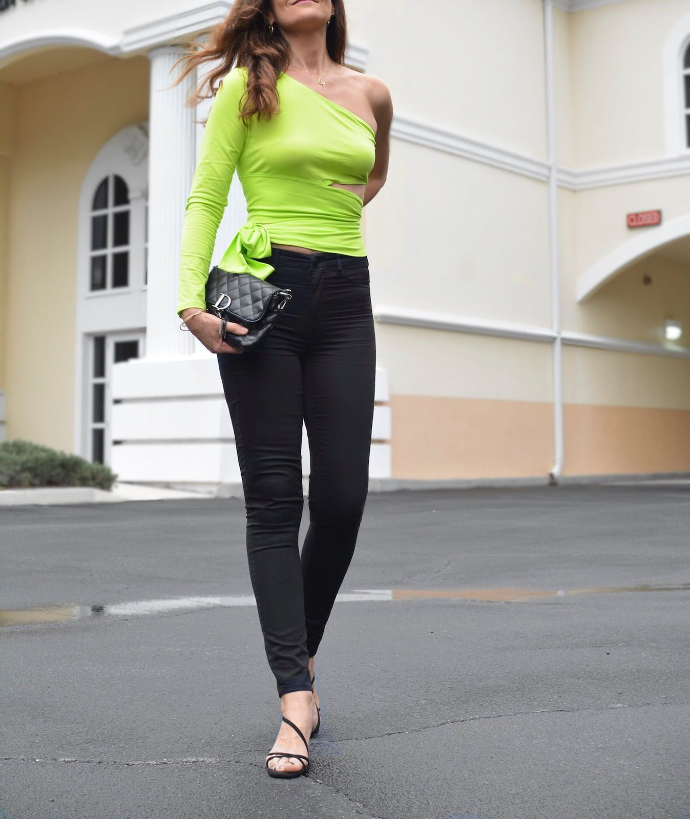 Neon trend, the glow of SS19