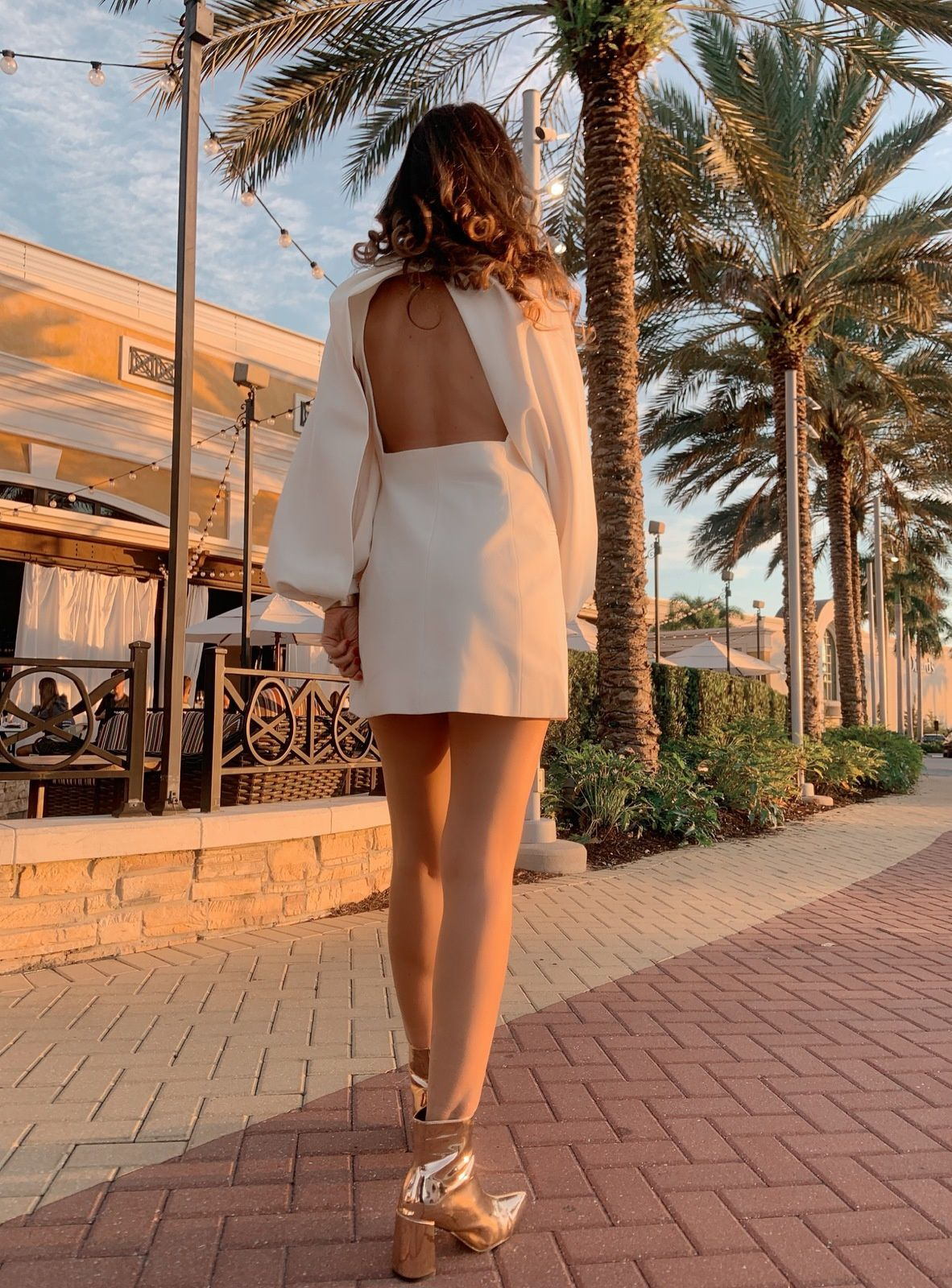 Chic dresses for golden moments