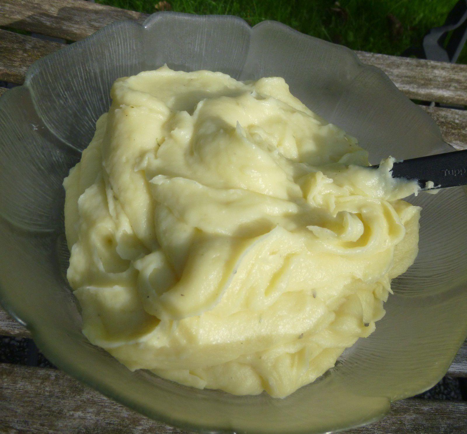 purée de pomme-de-terre au thym et à l'huile d'olive