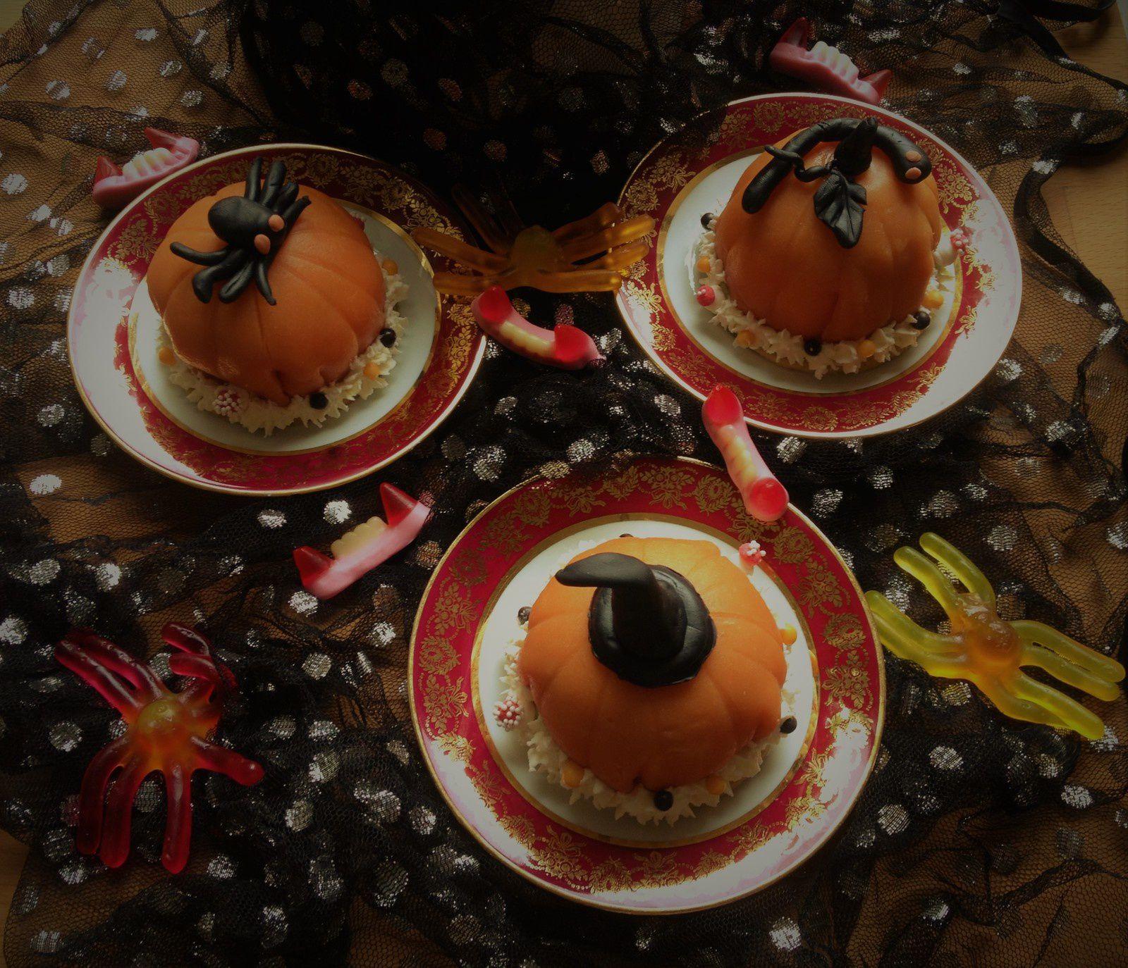 les petites citrouilles d'Halloween (même base que le gâteau licorne)