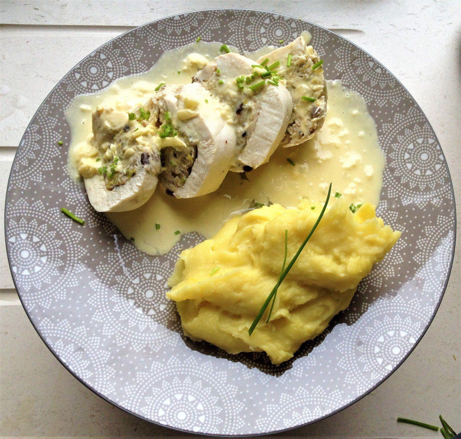ballotin de poulet farci au chaource,champignons et blanc de poireau