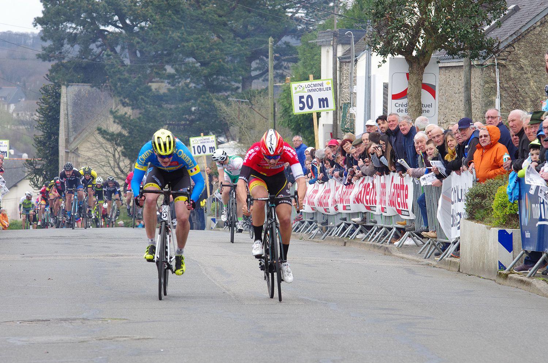La Flèche de Locminé remportée ausprint par Jason Tesson (Sojasun Espoir ACNC)