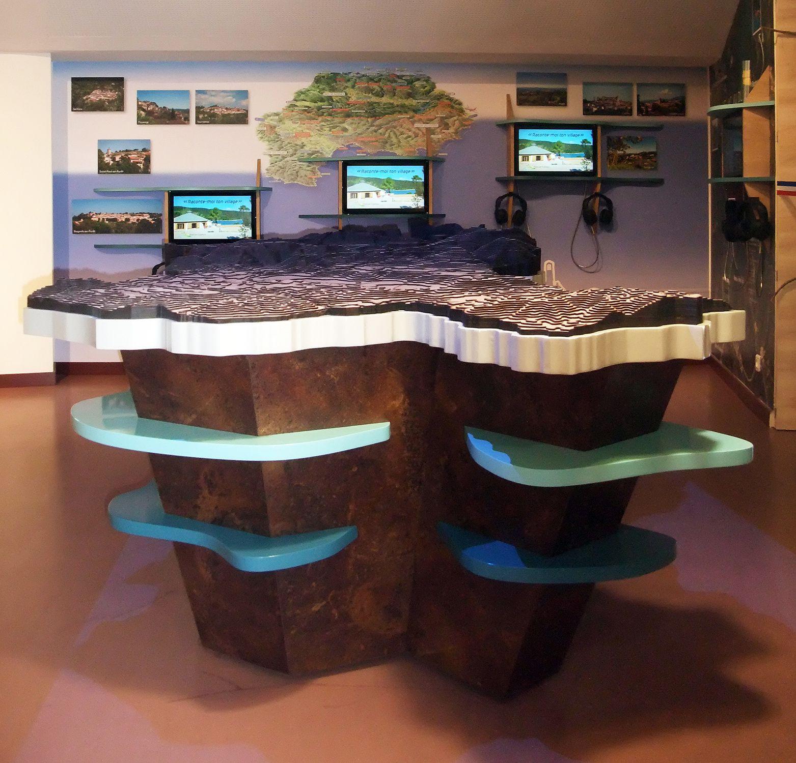 La « table du territoire » clôture la visite spectaculaire pour une découverte sensorielle et didactique du « Pays de Fayence et des 9 villages perchés »
