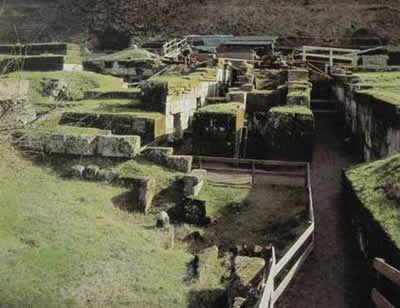 Orvieto : la nécropole de Crocifisso del Tufo