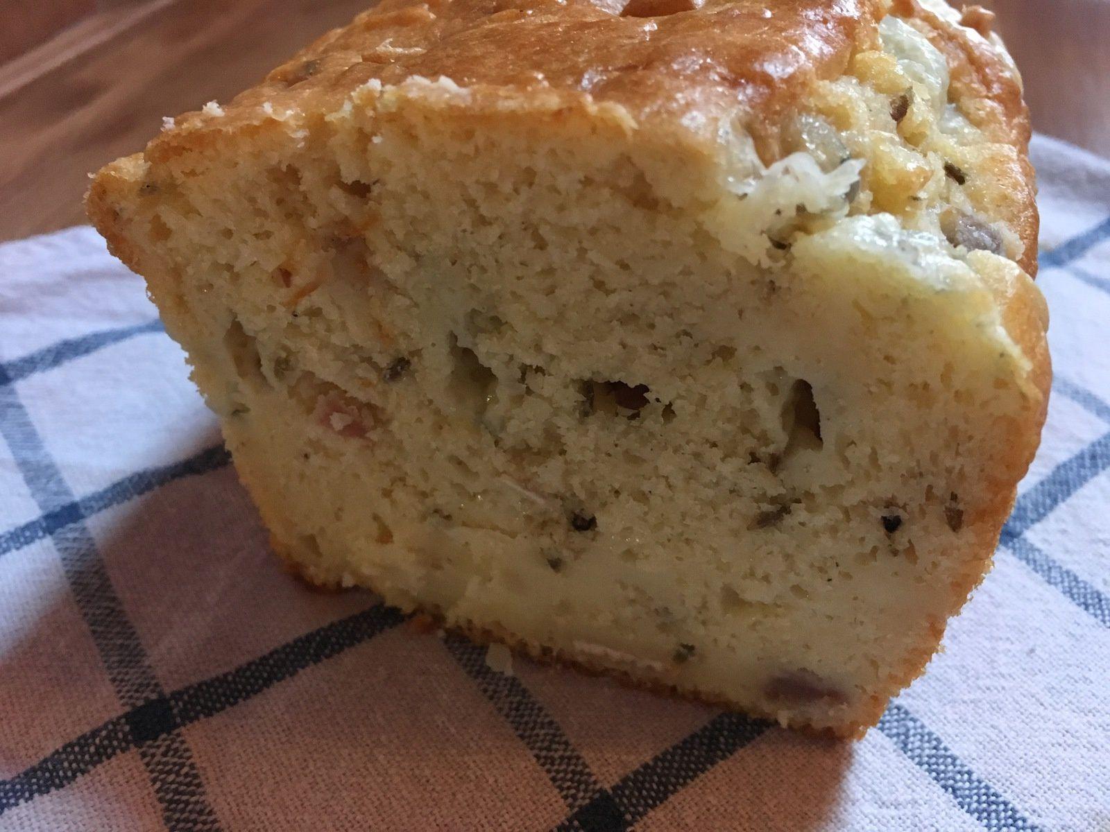 Cake à la saucisse de Morteau et au morbier