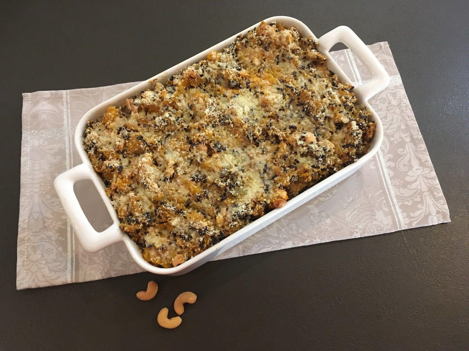Gratin de butternut au quinoa, riz noir, curry et noix de cajou