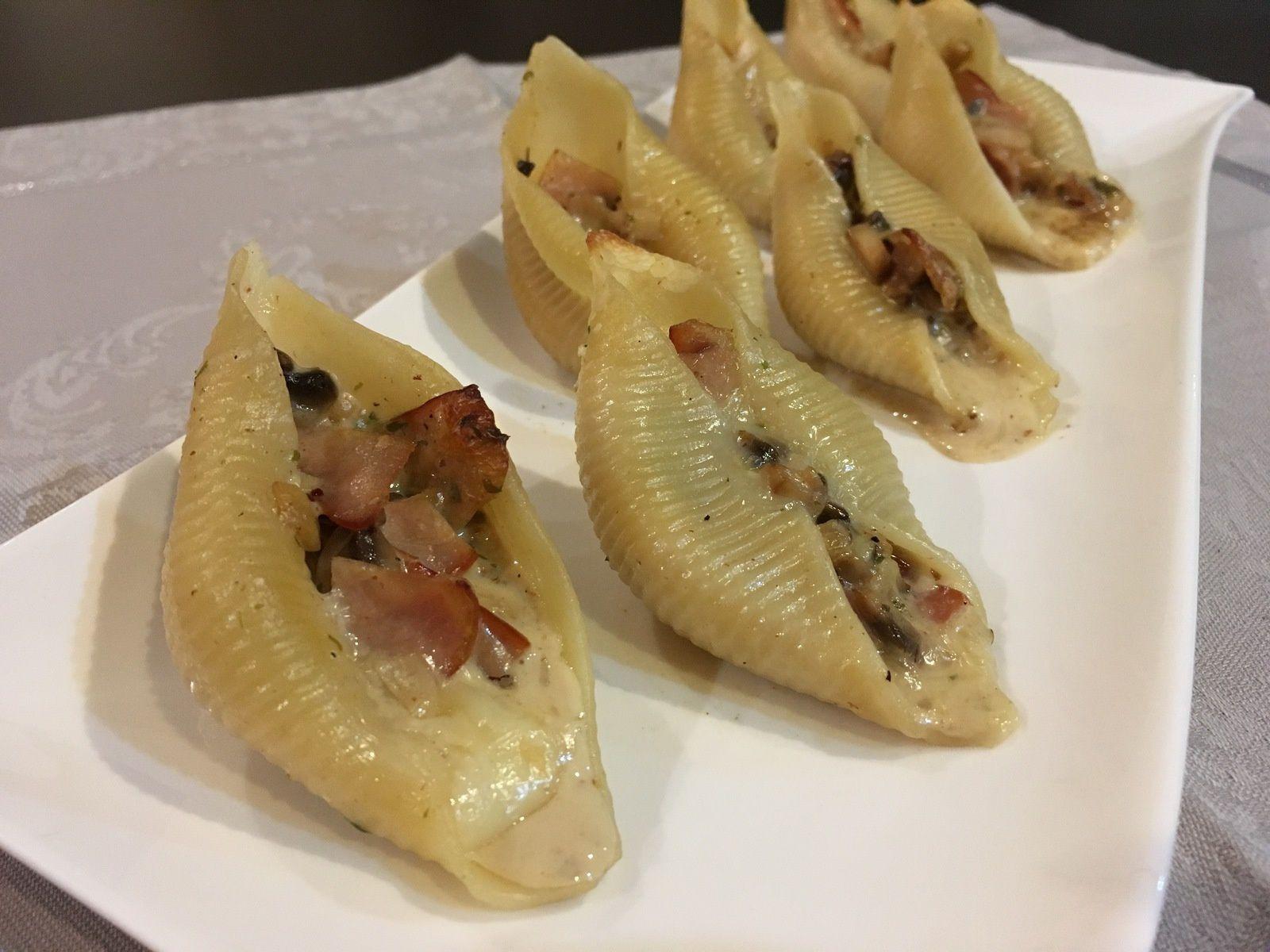 Conchiglioni farcis au Reblochon, bacon et champignons