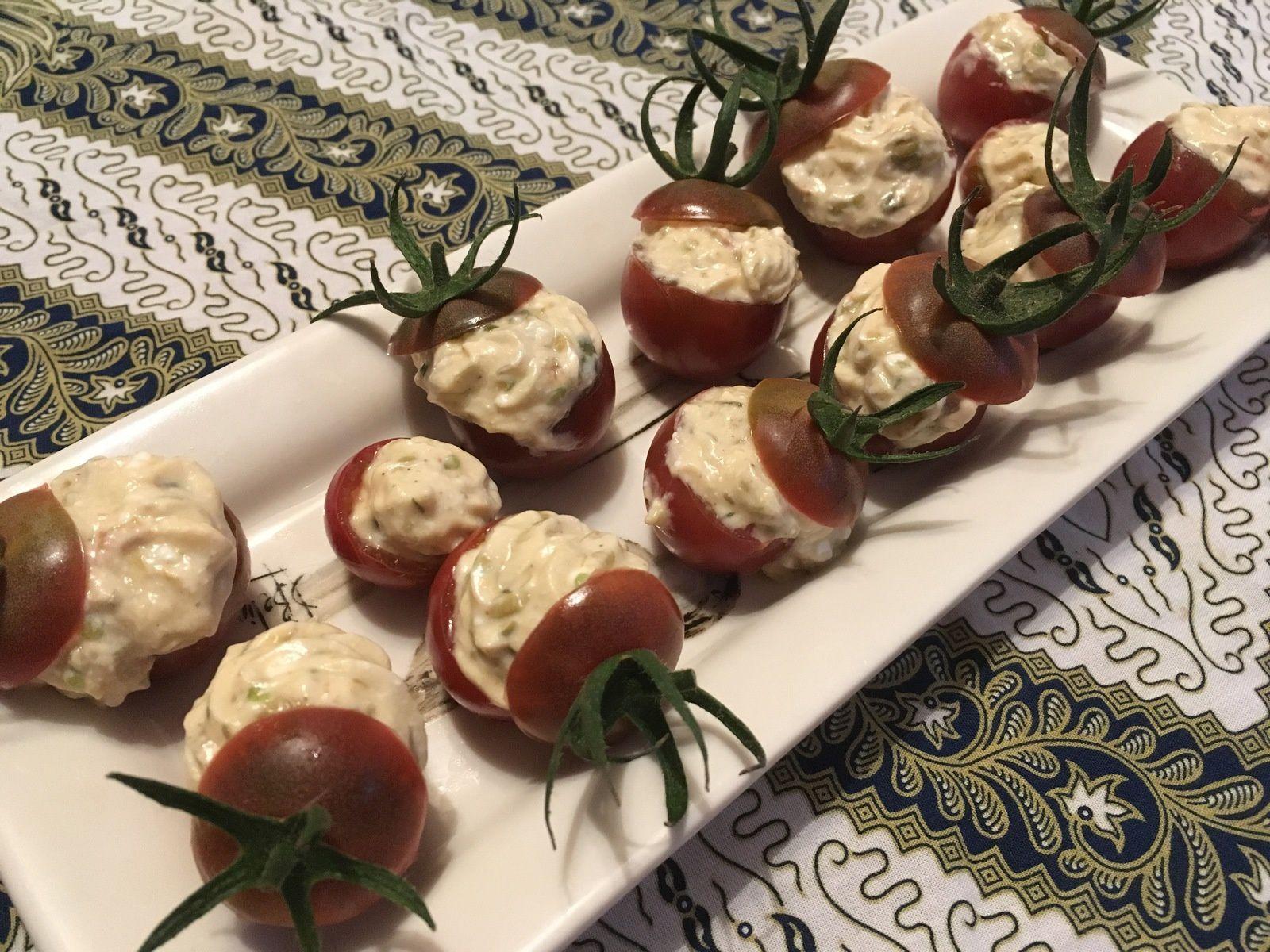 Tomates cerises farcies au chèvre frais