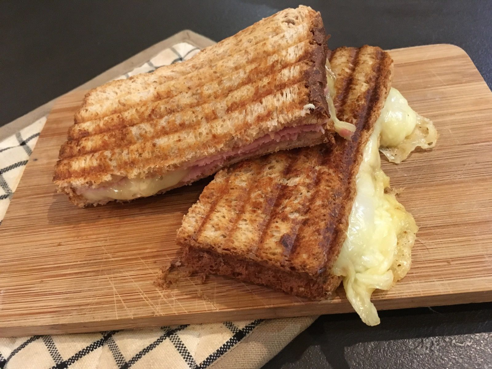 Croque-monsieur à la tomme