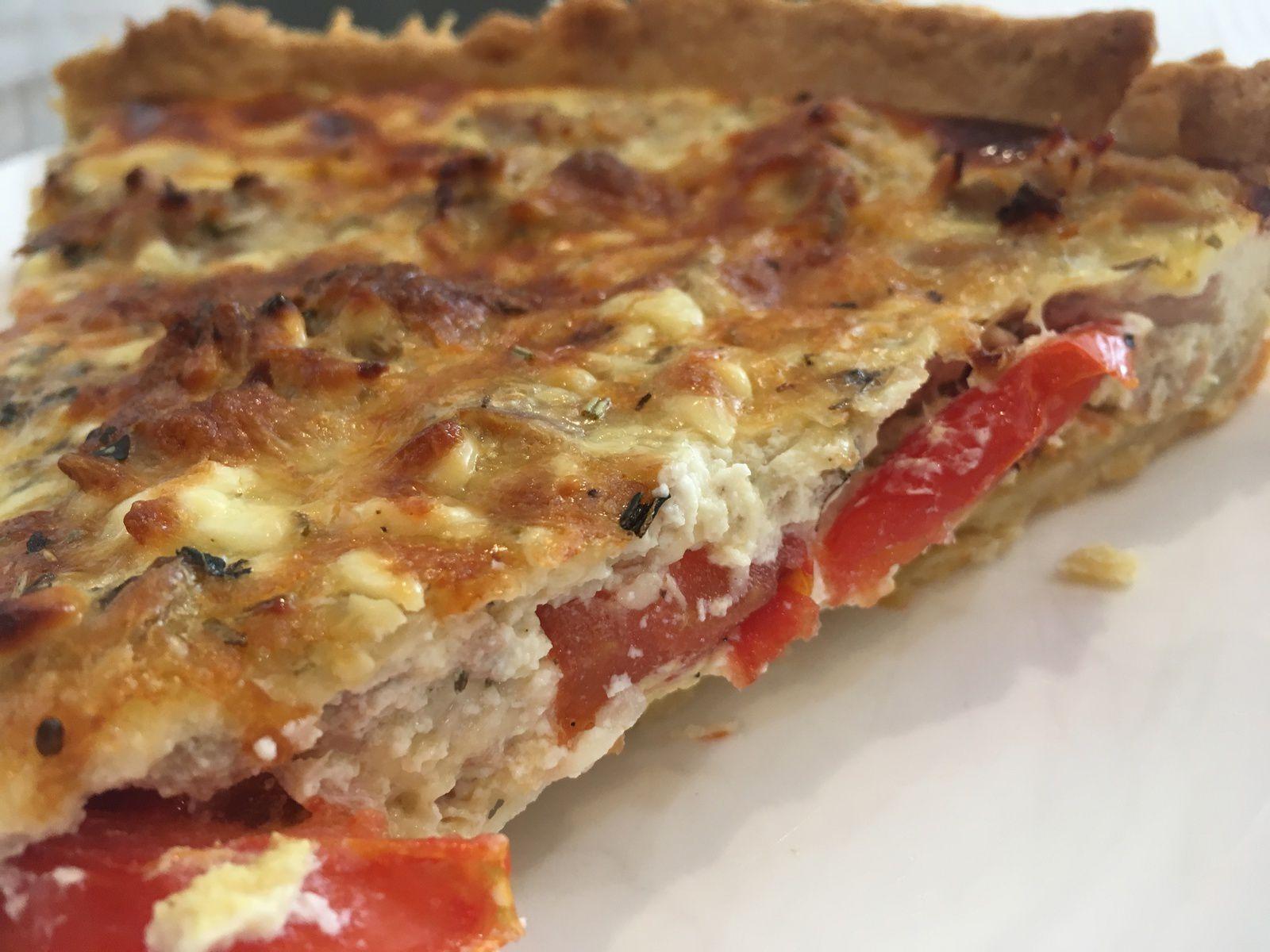 Tarte au thon, tomates et Saint-Môret