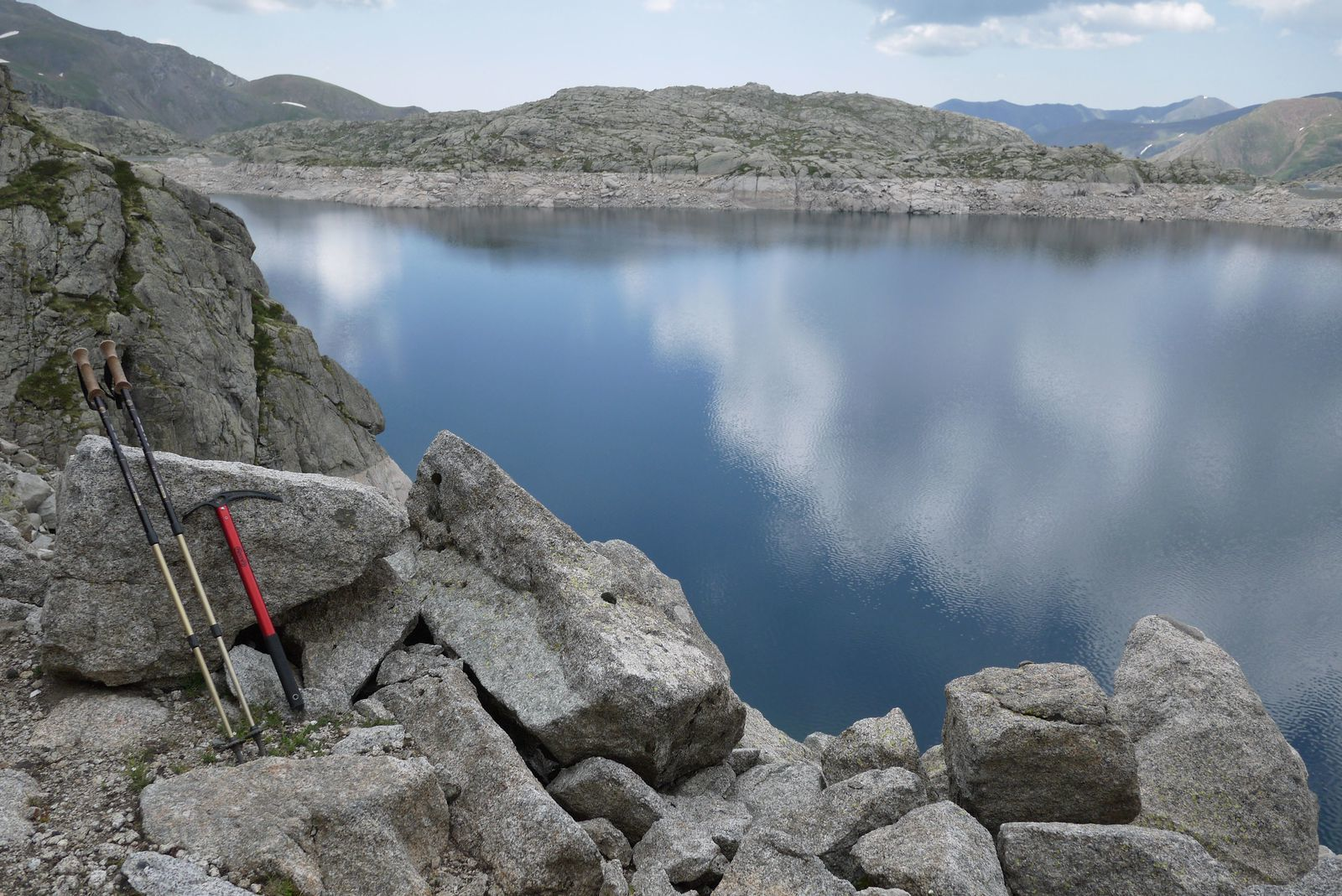 le paysage évolue mais c'est si beau, on ne compte plus les lacs