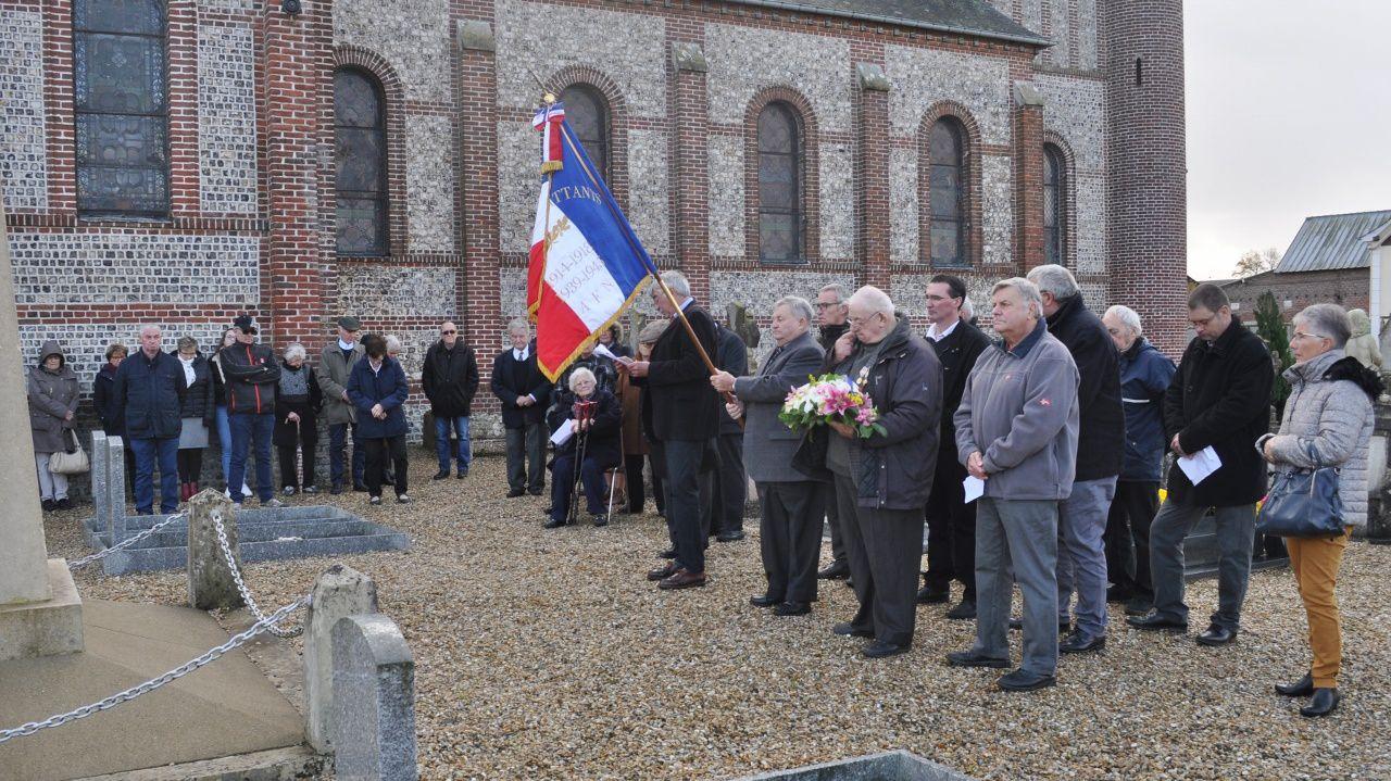 """Après la minute de silence, l'assemblée a entonné """"La Marseillaise""""."""