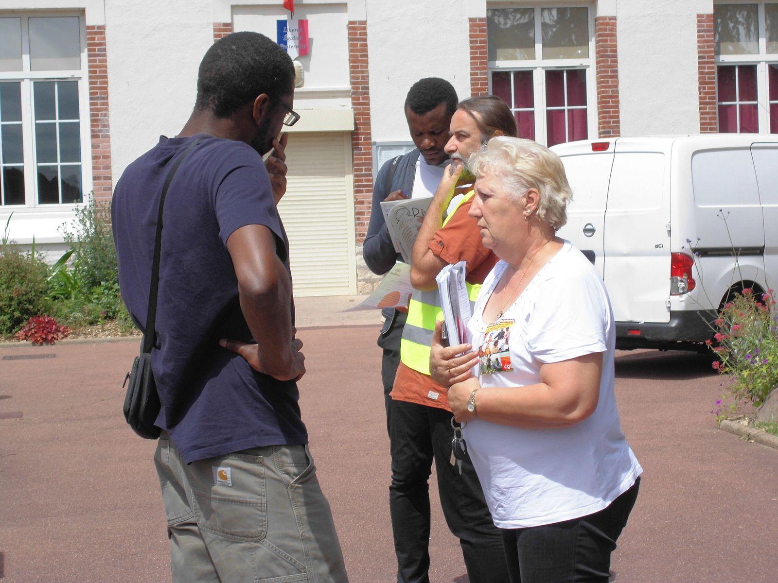 Jeudi 21 juin. Mantes-la-Ville et Mantes-la-Jolie. La CGT à la rencontre des agents des services publics