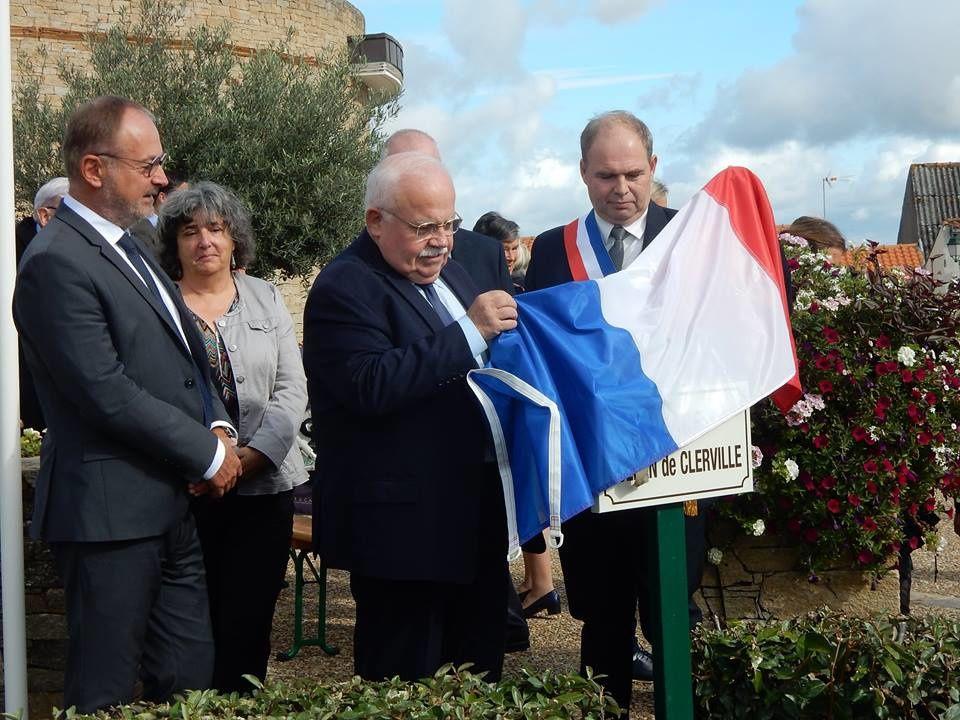 inauguration du nouveau nom de la place de la mairie à Saint Viaud