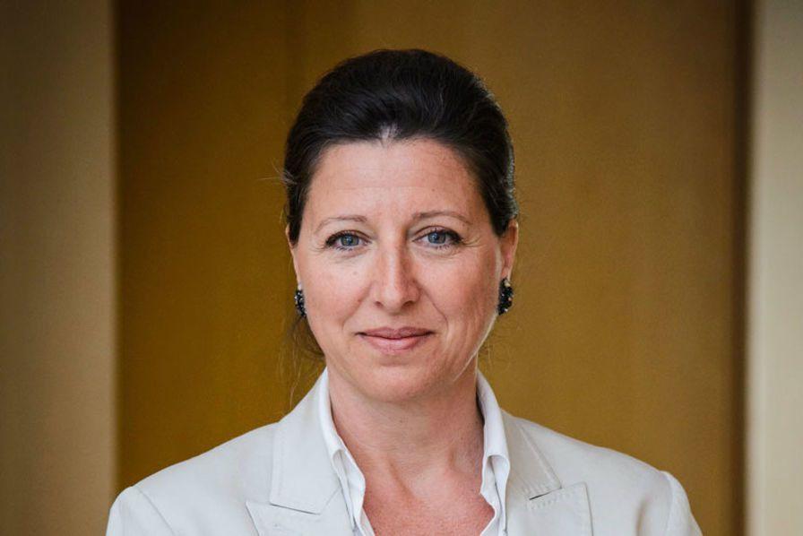 Agnès Buzyn développe son plan anti-tabac