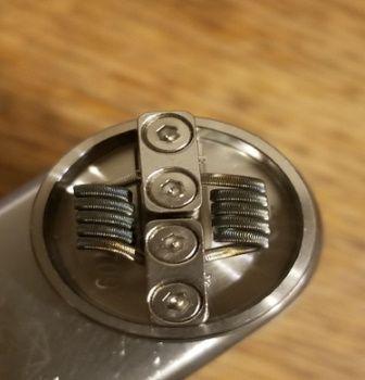 Test - Dripper - Goon 25 RDA de chez Custom Vapes