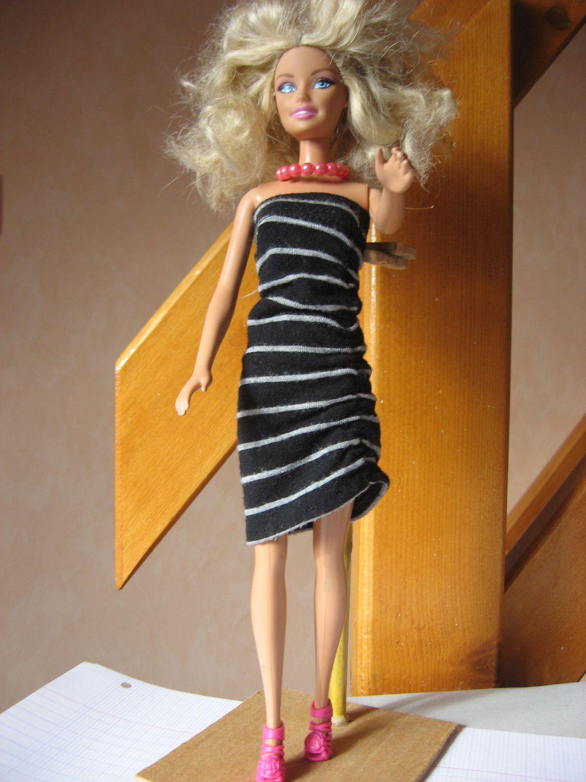 Robe noire jersey froncée poupéeBarbie