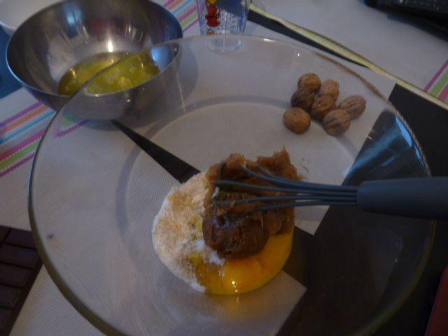 Gâteau à la crème de marrons, noix et chocolat