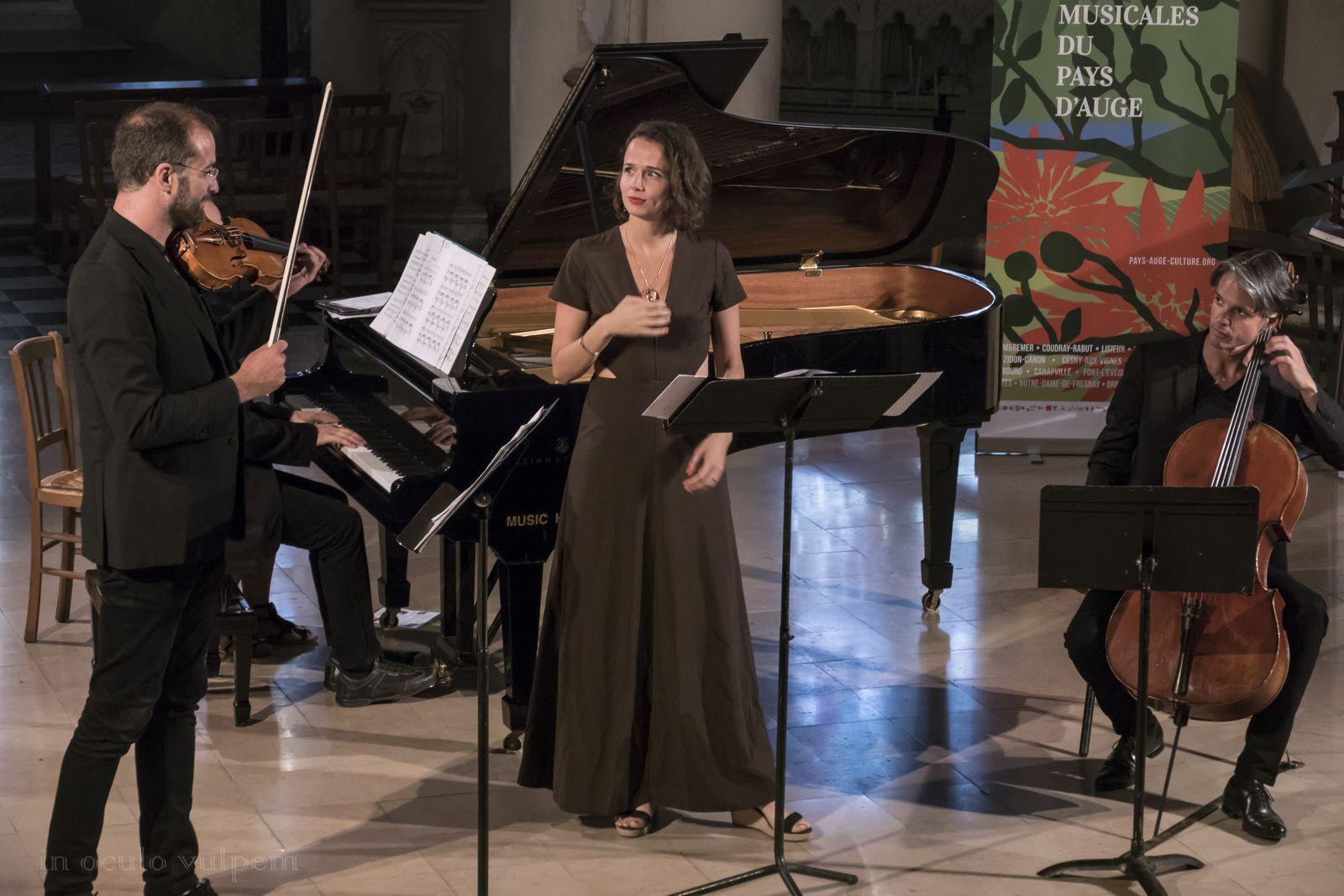 Les Promenades musicales du Pays d'Auge. Ensemble Contraste : Albane Carrère, soprano; Arnaud Thorette, violon; Antoine Pierlot, violoncelle; Johann Farjot, violoncelle. Eglise de Livarot, 05/08/2018