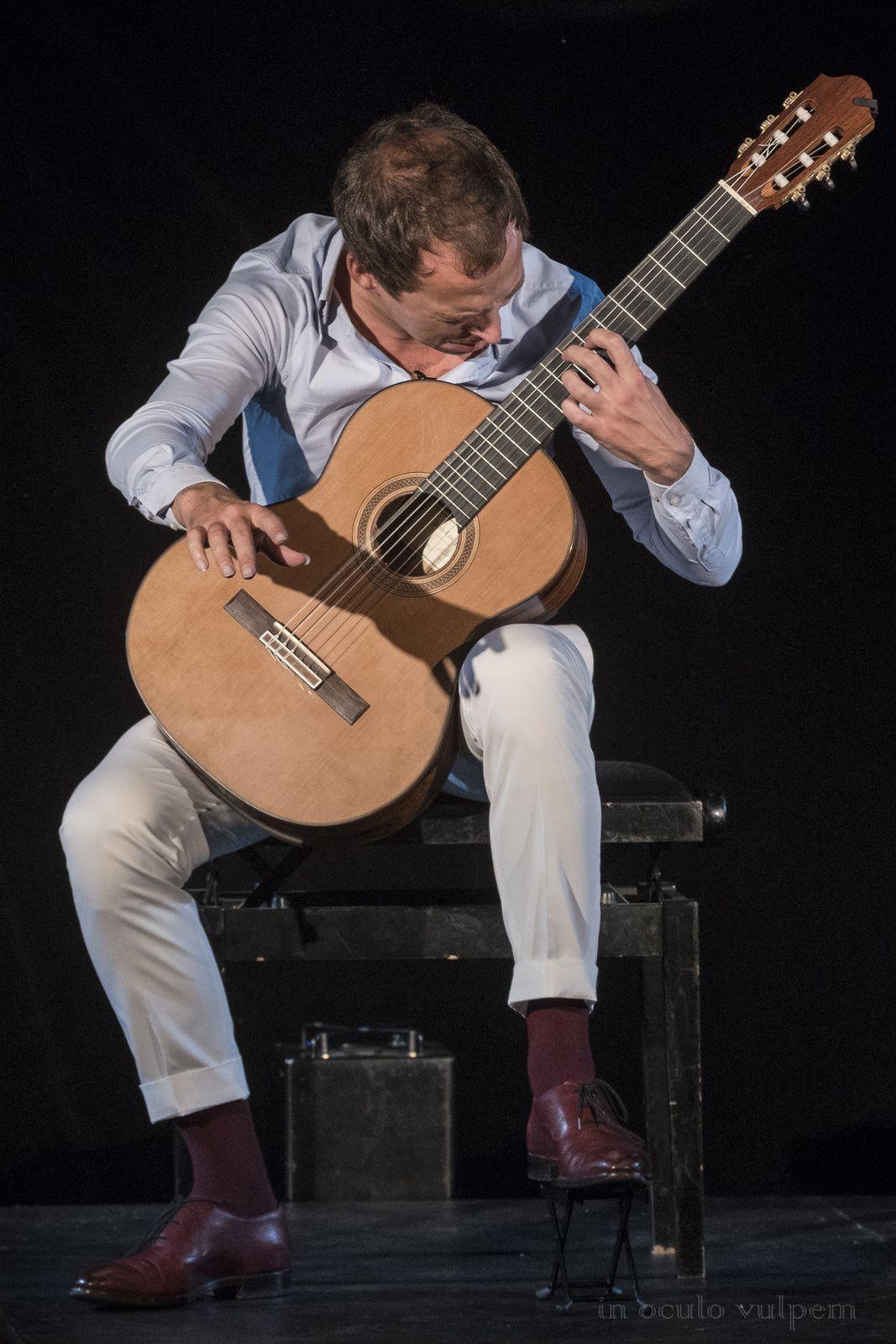 Les Promenades Musicales du Pays d'Auge. Walter Sôp, Bulles; Thibault Cauvin, Guitare. Château de La Roque-Baignard, 08/08/2019.