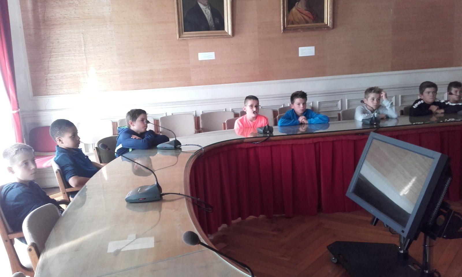 Les élections du Conseil Municipal Juniors Séniors