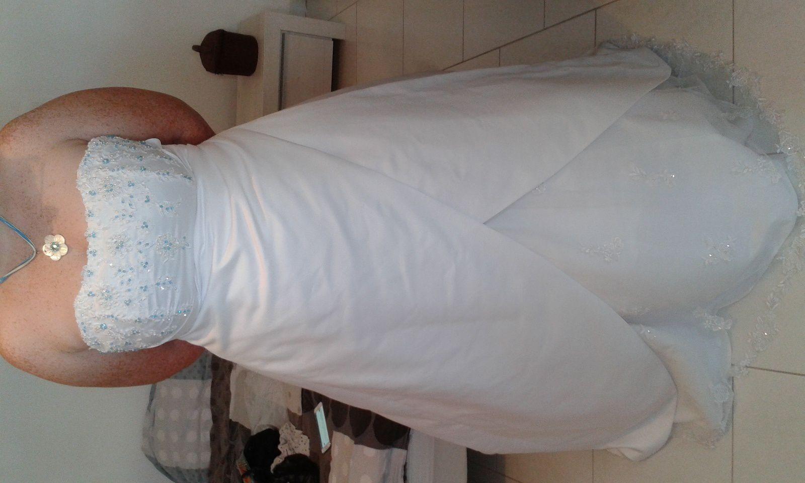 robe de mariée personnalisée bleu turquoise1 brin 2 folie
