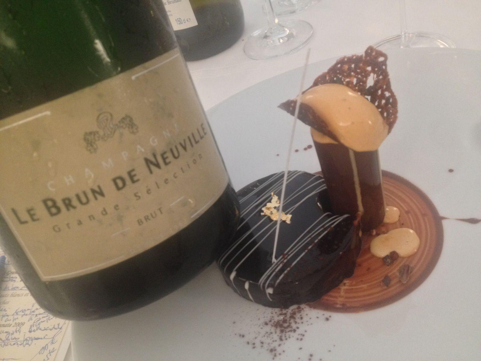 Au Grand Véfour, les bulles de Le Brun de Neuville en belles lampées ...