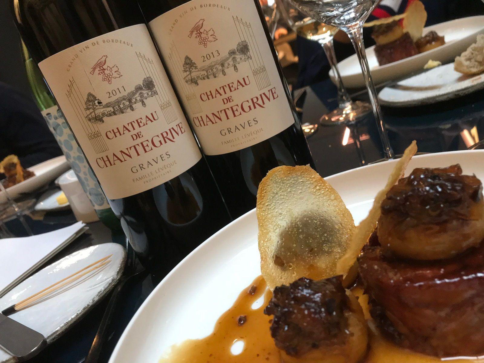 - Les rouges pour l'épaule d'agneau confite, pommes aria, oignons des Cévennes et jus d'olive.