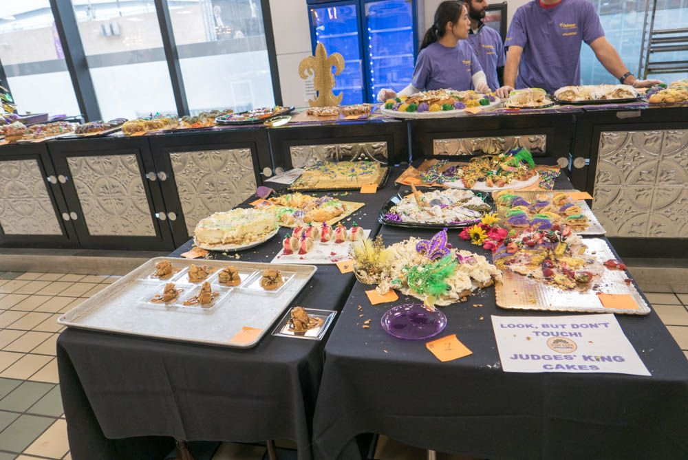 LOUISIANE NEW ORLEANS : MARDI GRAS et KING CAKE