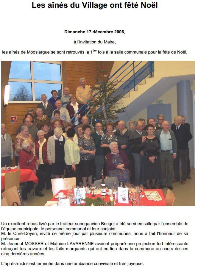 Premier repas des ainés, en décembre 2006 (photo Mathieu Lavarenne, source: bulletin municipal N°11, qui était disponible sur l'ancien site web de la commune)