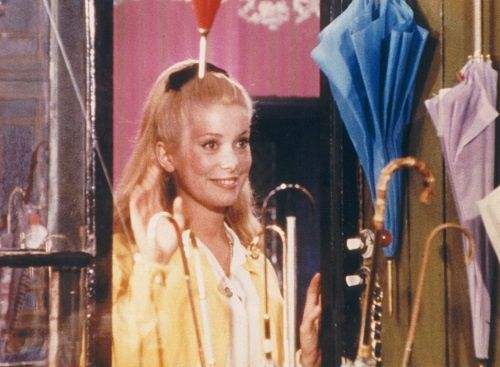 Les parapluies de Cherbourg de Jacques Demy et Michel Legrand
