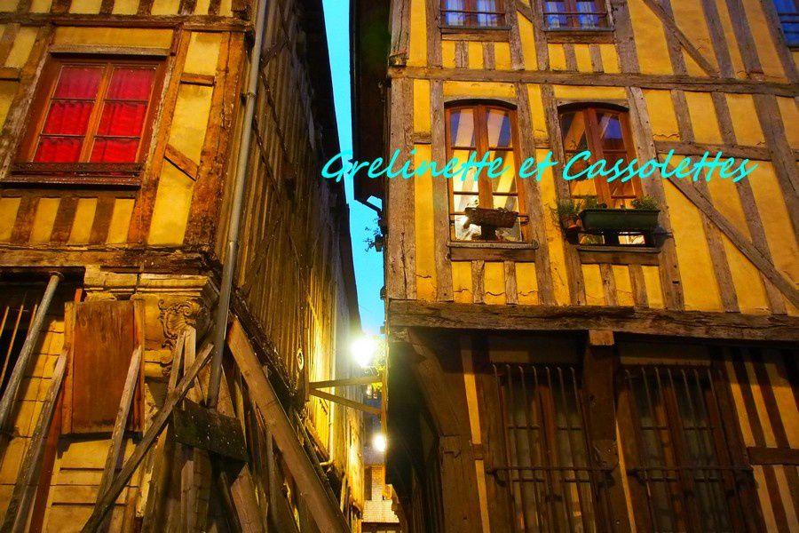 Troyes est actuellement restaurée, ses batisses sont historiques