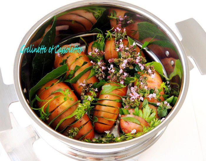 Pommes de Terre Hasselback à la Vapeur et aux Herbes Aromatiques