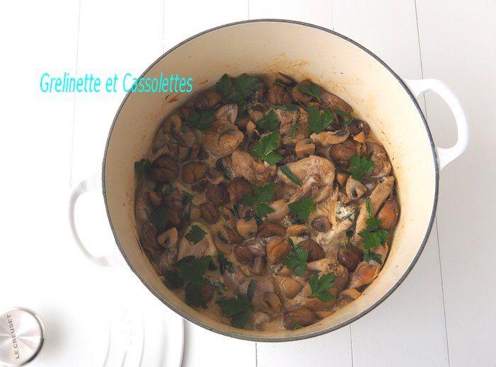 Cailles en Cocotte, aux Châtaignes et aux Champignons de Paris, Sauce crémée à la Sauge