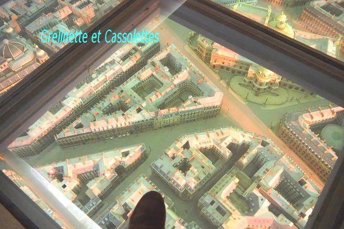 Sol de verre et Plan en Relief du quartier de l'Opéra Garnier, Paris