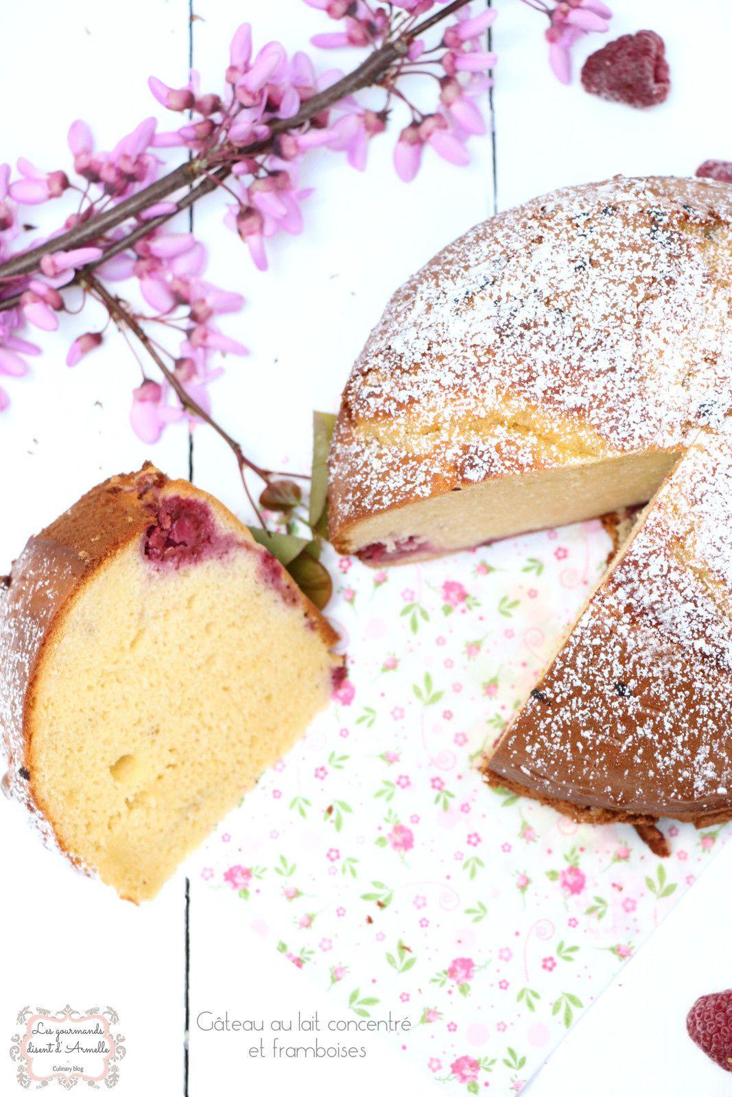 | Gâteau au lait concentré sucré et framboises | © Les Gourmands {disent} d'Armelle