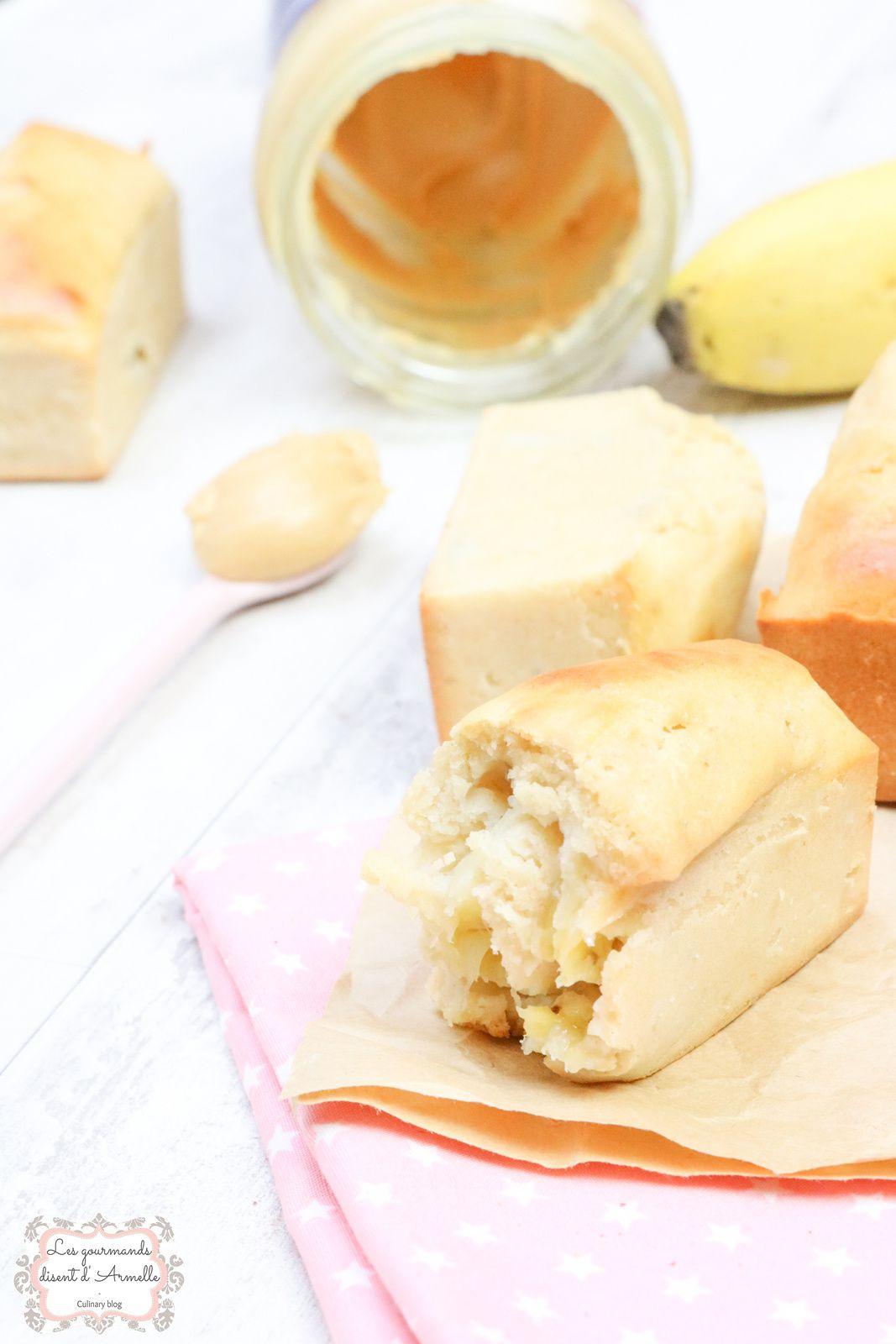 Minis cakes à la banane et purée de cacahuète @ Les Gourmands {disent} d'Armelle