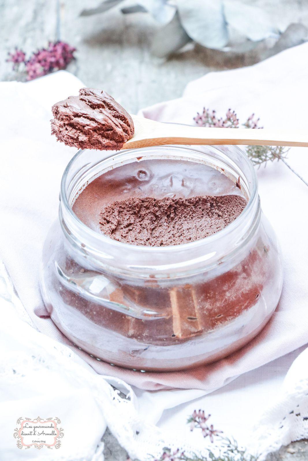 Mousse au chocolat légère (sans jaune d'oeuf et sans sucre) @ Les gourmands {disent} d'Armelle