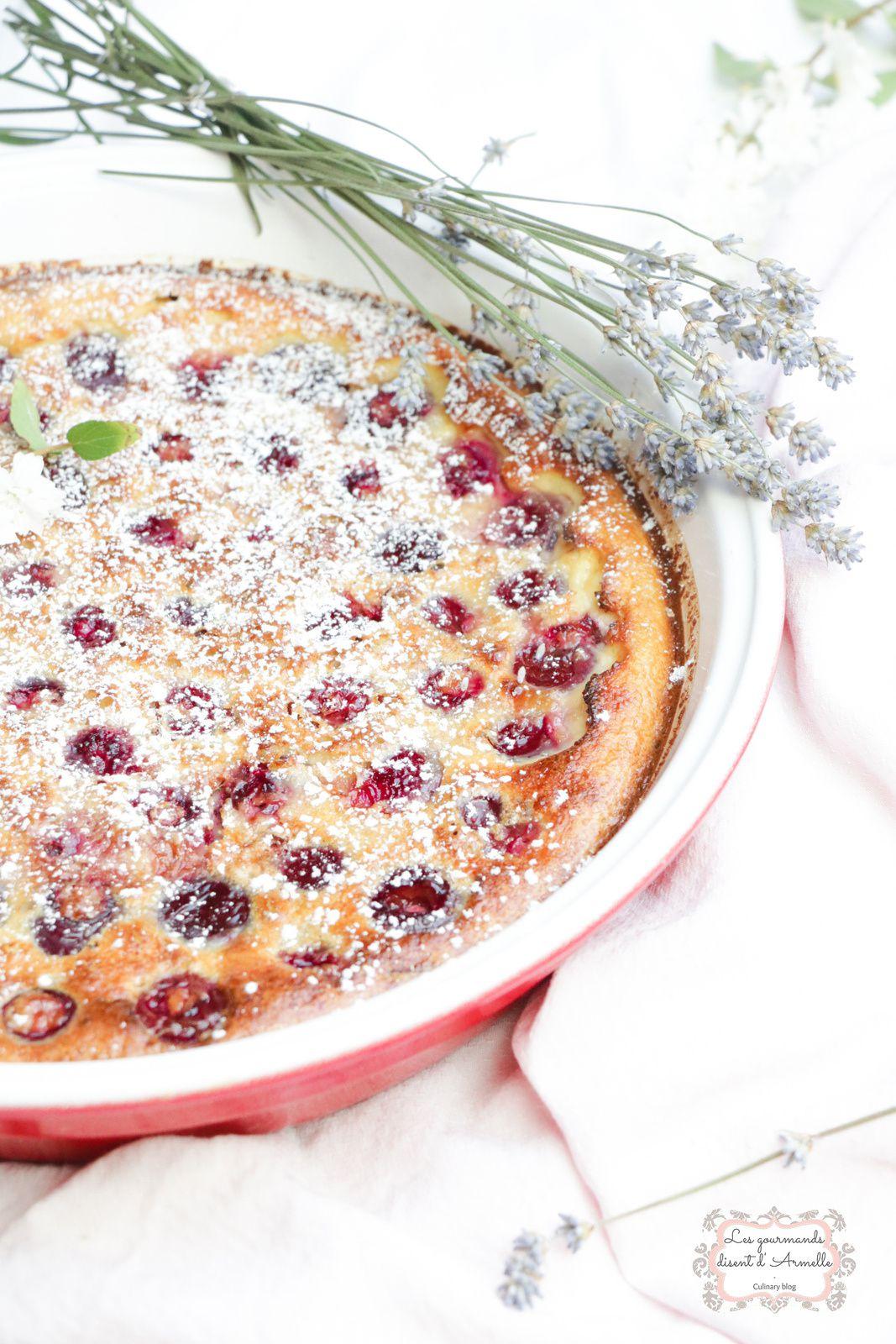 Clafoutis aux cerises, amande et fleur d'oranger @ Les Gourmands {disent} d'Armelle
