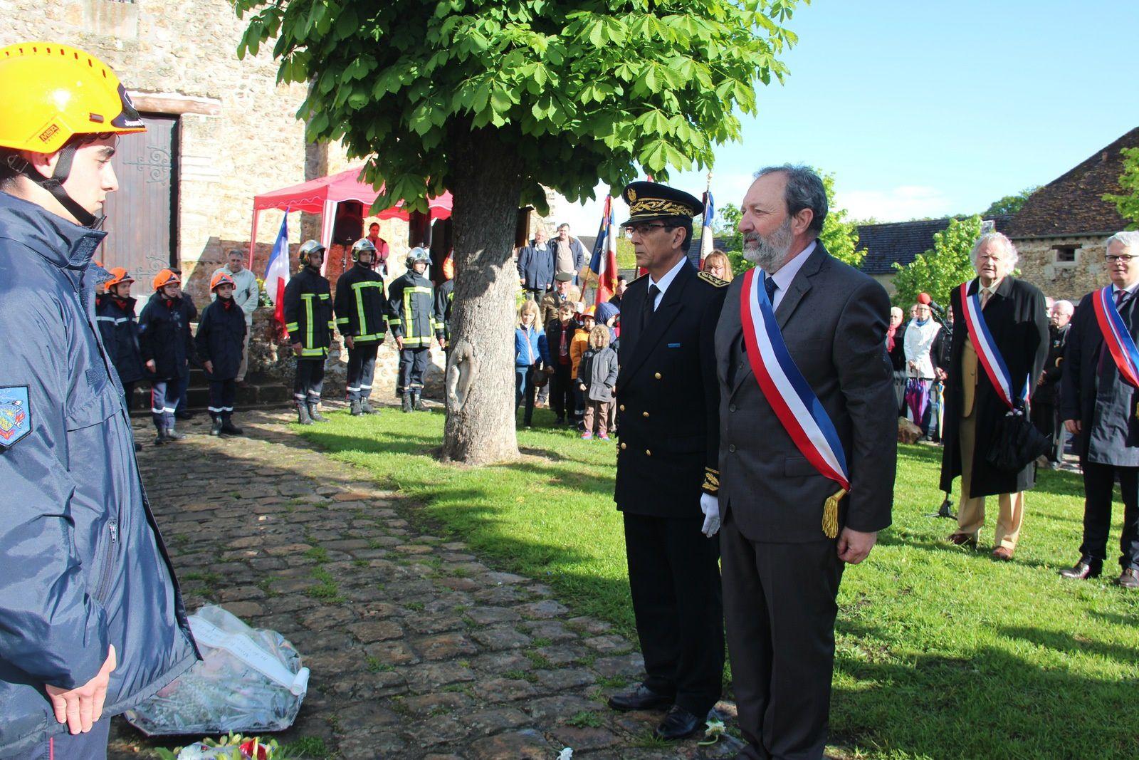 HOMMAGE AU Colonel Arnaud Beltrame