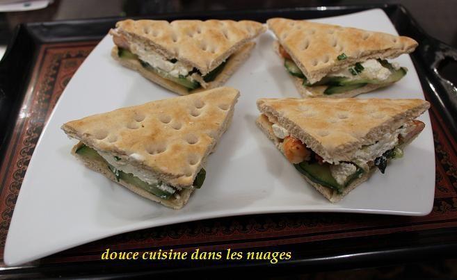 Petit sandwich concombre, wakamé, crevettes et Caprice des Anges