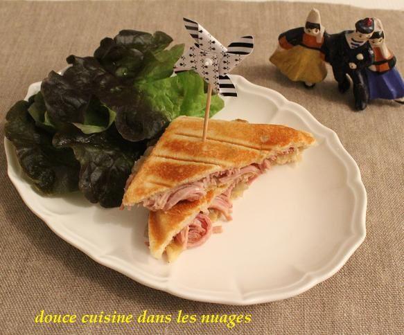 Croque-monsieur andouille de Guéméné et oignons de Roscoff