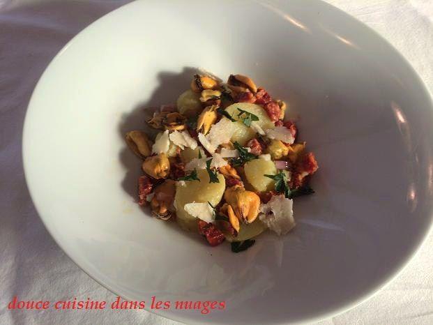 Salade tiède de moules au chorizo et parmesan